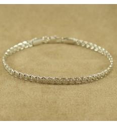 Smukt sølvfarvet armbånd