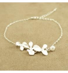 Sølvfarvet orkide armbånd