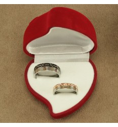 Rød hjerte æske til to ringe