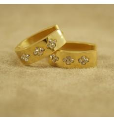 Store guldfarvede krystal creolere