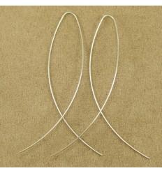 Simpel tynd sølvfarvet ørehænger