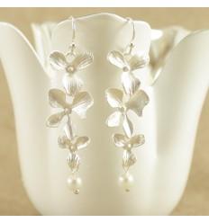 Sølvfarvet orkide ørehænger