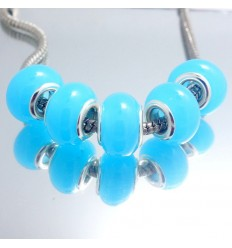 Lys blå glascharm