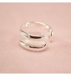 Fast sølvfarvet armbånd med rund lås