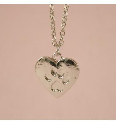 Sølvfarvet hjerte med pote
