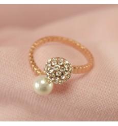 Elegant ring