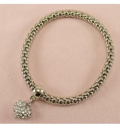 Sølvfarvet armbånd med glitrende hjerte