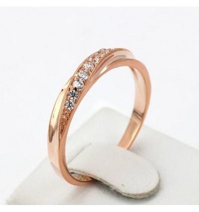Smuk ring med skæv kant