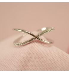 Sølvfarvet kryds ring