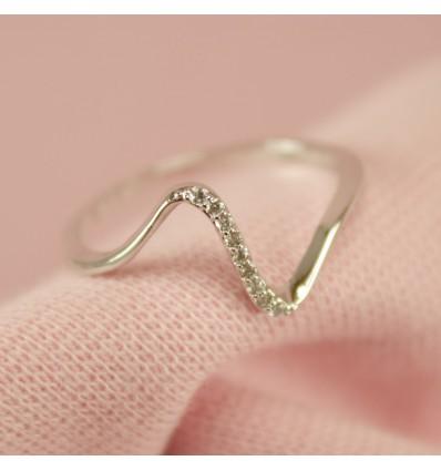Bølge krystal ring, Hvidguld