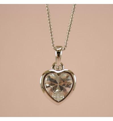 Exceptionel sølvfarvet hjerte halskæde