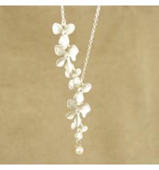 Sølvfarvet orkide halskæde