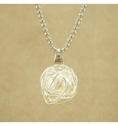 Sølvfarvet smuk halskæde